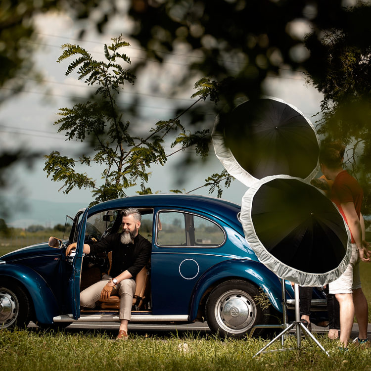 daniel ceapa fotograf brasov roncea sebastian adrian mocanu eduard hutanu sedinte foto model portret masina vw beetle brasov concurs seb man wella professional romania